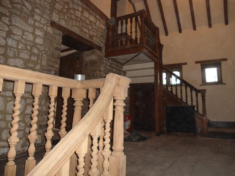 Zandstralen houten trap lier prijs atelier jk - Interieur houten trap ...